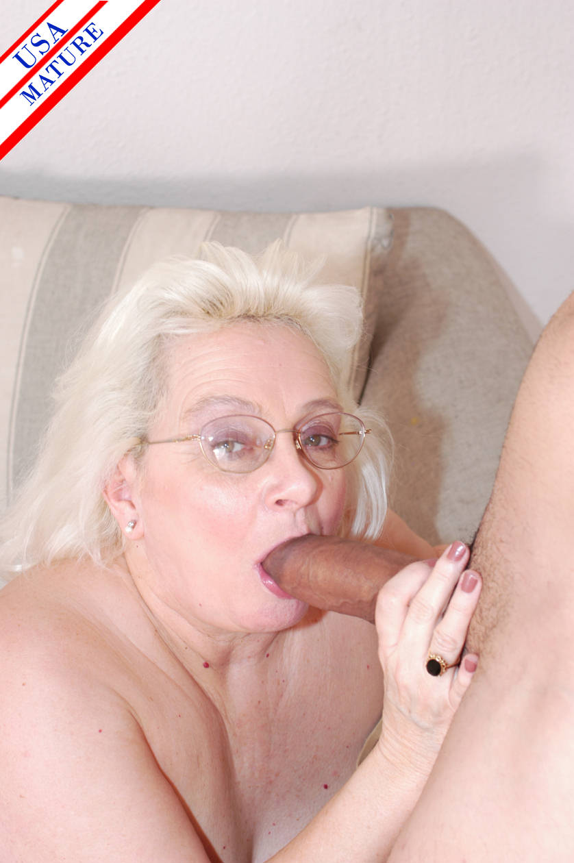 She Likes Cum Her Mouth