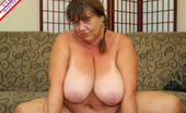 USA Mature This Big Breasted Mature Housewife Is Ready For Cock