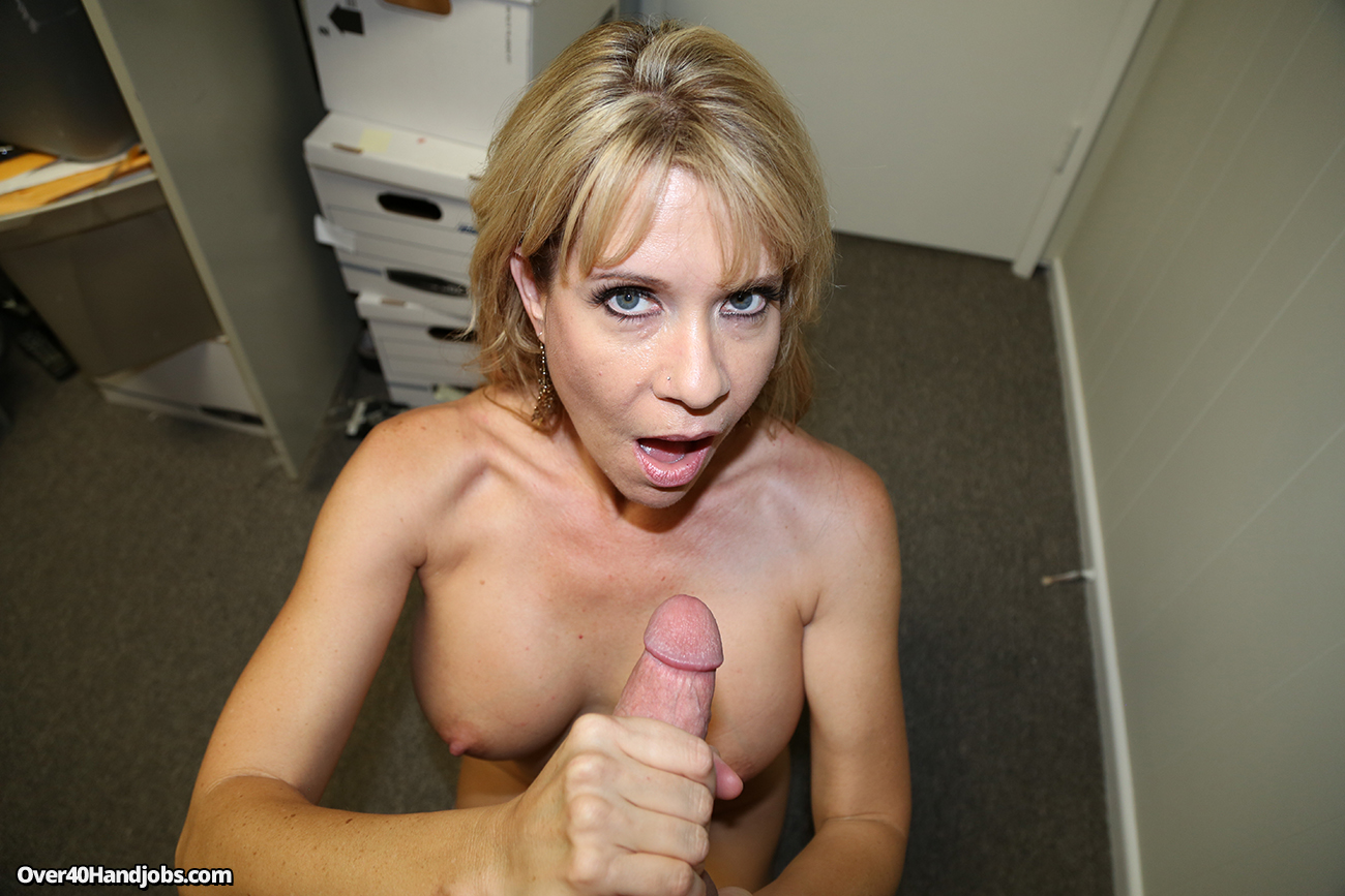 The Hot Step Mom Handjobs Son - Handjob Tube