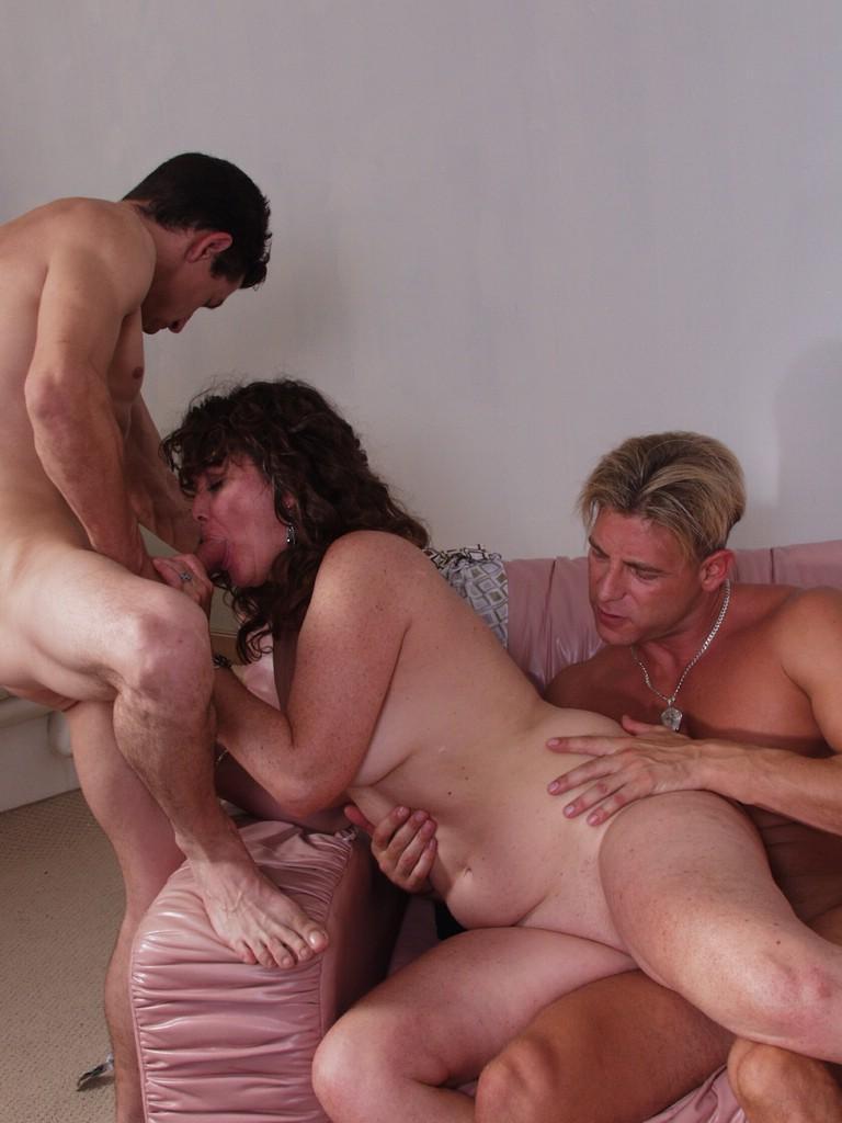 входил нее русское порно видео мамка на троих качестве примера
