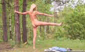 Nude Sport Videos Bare Open-Air Stretching
