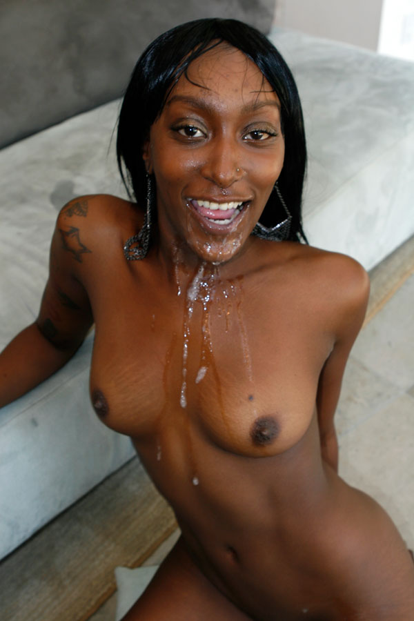 Renae Bryant  nackt
