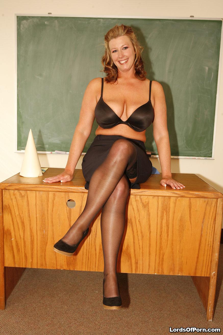 Bubble Butt Teachers 443589 Student Gets To Fuck His Hot Teacher