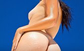David Nudes Honey Honey The Nude Queen Part 1 The Queen Of The Nude Woman Is In Your Presence, Show Respect!...