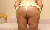 Bizarre Mature Sex This Chubby Mature Slut Loves Toys And Piss