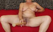 Bizarre Mature Sex Fill That Granny Cooch Up With A Baseball Bat