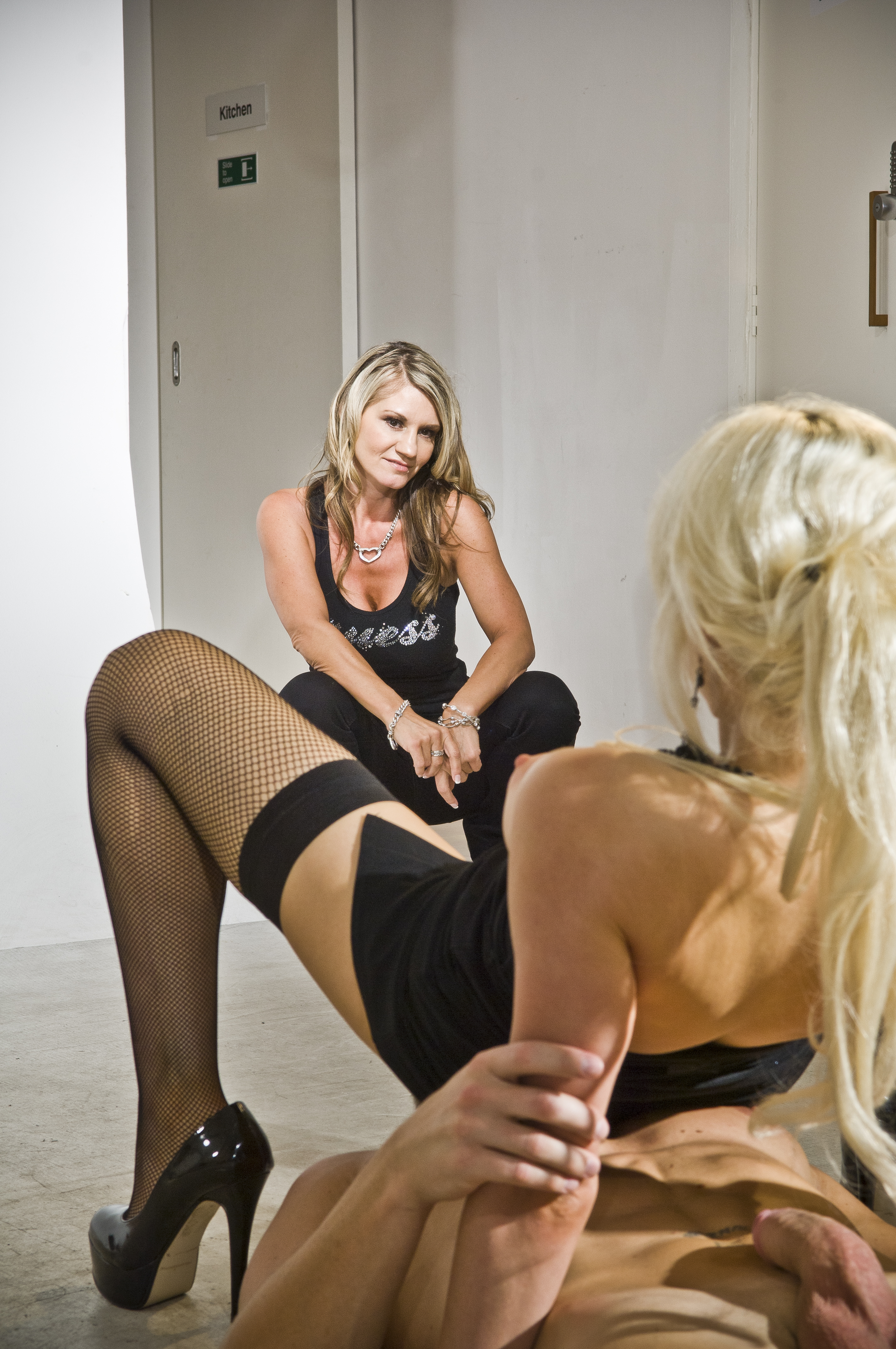 image Blonde syren sexton fucked doggystyle by a buff hunk