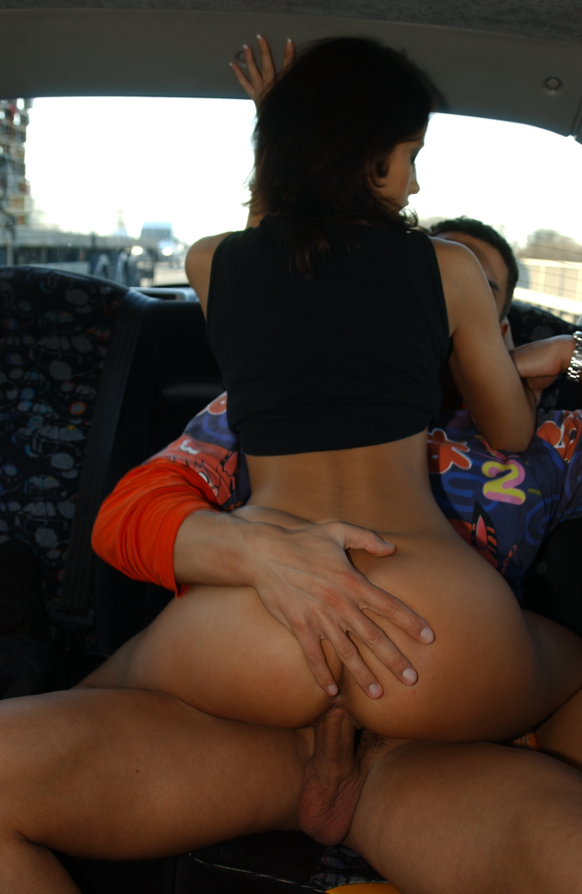 Joy Bear 452937 Lolita Riding Lolita Desirable Brunette Rides Her Ass On The Back Seat