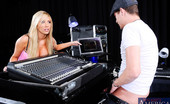 My Friend's Hot Girl 455385 Tasha Reign Tasha Reign Is Doing Sound Check For A Gig She'S About To Play. Her Sound Guy Is Her Boyfriend'S Best Friend And She Finds Out That He'S Been Slacking On The Job. Instead Of Checking Her Levels He'S Been Checking The Intern