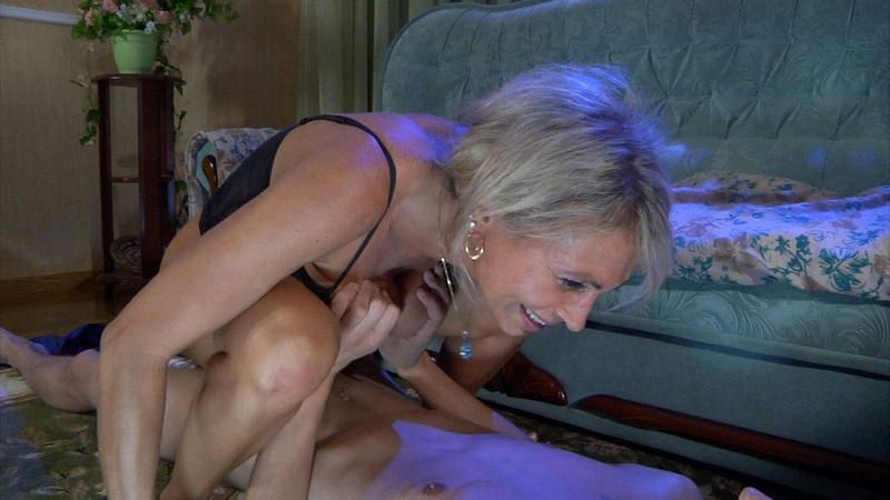 женой фото порно актрисы нинет сауны молодым