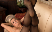 Anilos Anilos Skye Taylor Horny Blonde Cougar With Big Puffy Nipples Spreads Her Shaved Twat