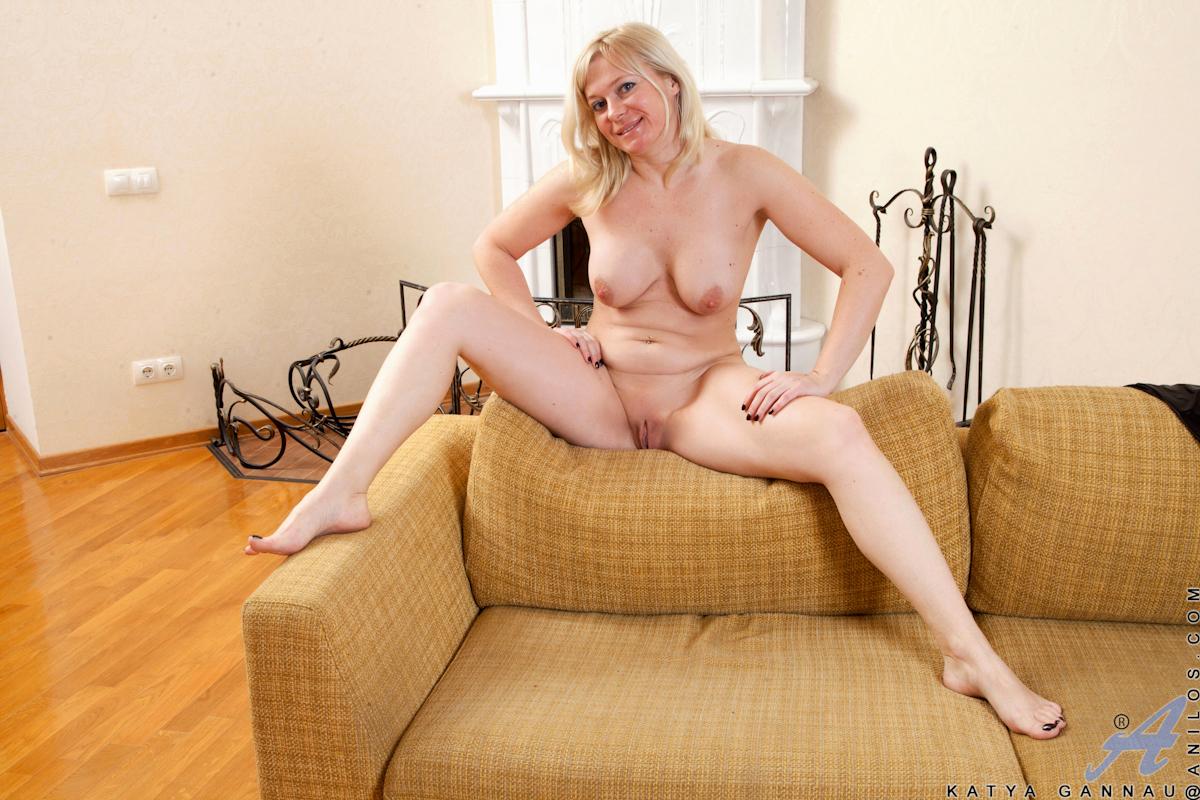 Katya Gardner  nackt