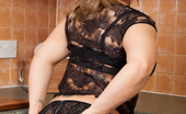 Anilos Anilos Ashley Rider New Mommy Takes A Break From Her House Work To Get Naughty In The Kitchen