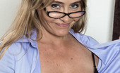 We Are Hairy 465481 We Are Hairy Glasses And Sexy Smarts With Sexy Sarah Michaels In Her Purple Top And Glasses, The Ravishing Sarah Michaels Is Smart. Removing Her Top And Lingerie Shows Off Her Sexy All-Natural Body. She Sits On Her Chair, Spreads Her Legs And Shows Us Her
