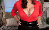 Scoreland Scoreland Barbie Kelley Busty Wife Spanks It Sticky