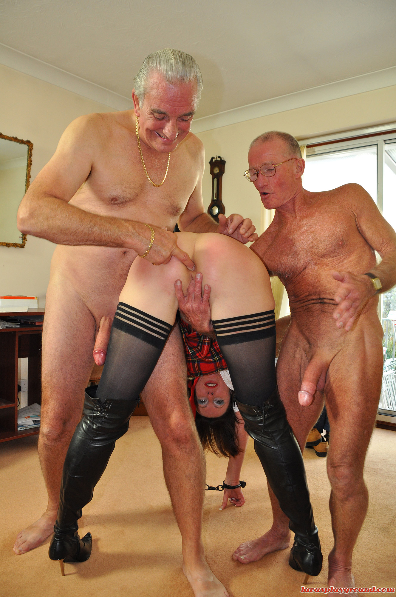 Секс ролик озабоченная девушка с дедушкой 17 фотография