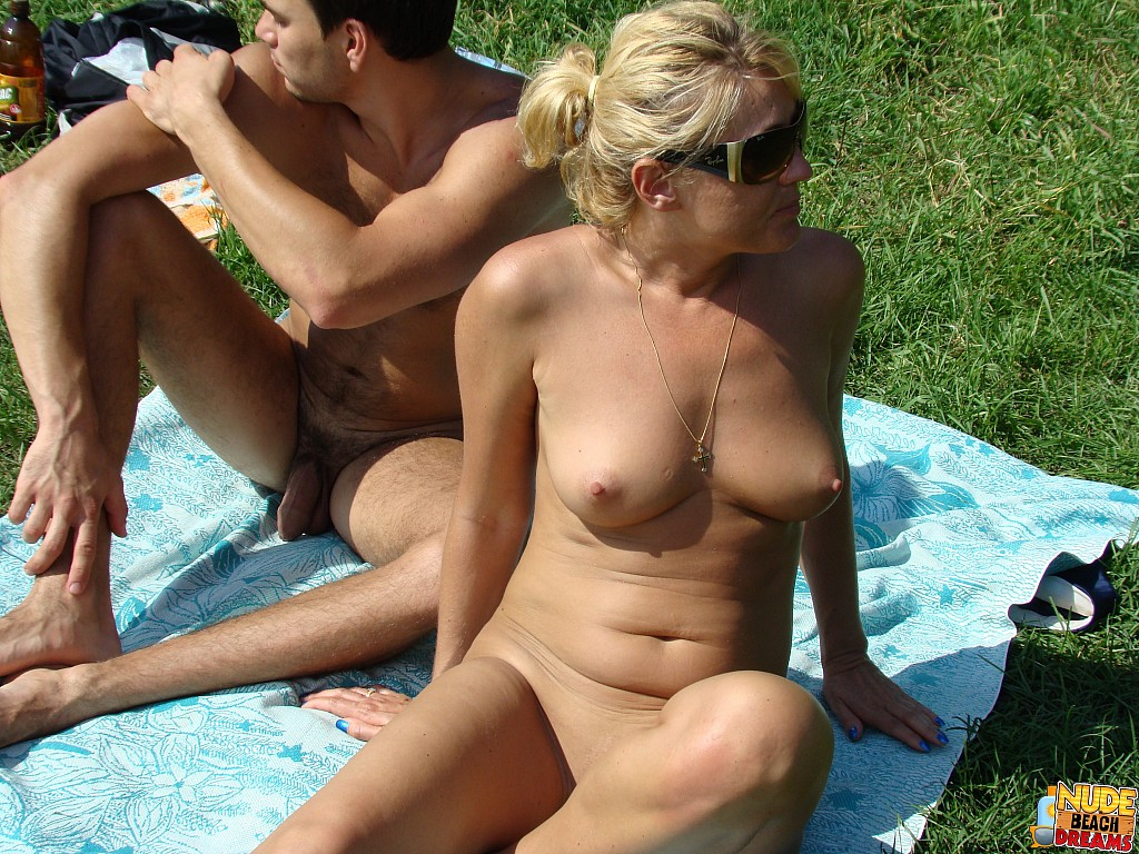 father and daughter nudist