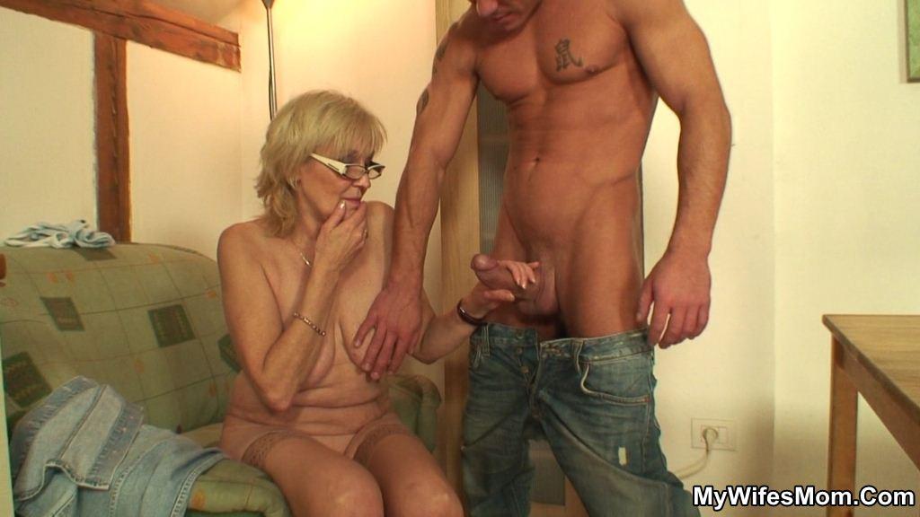 Ratemy nude wife
