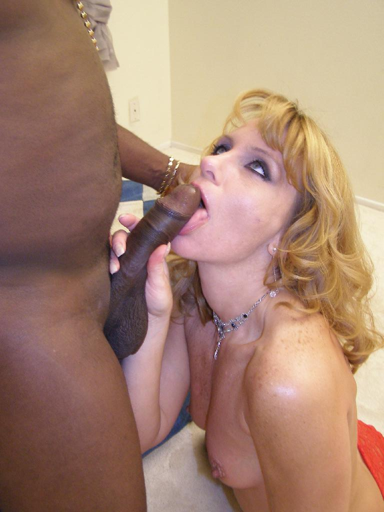 Booty cheating wife hooks up with younger boy 6