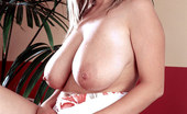 Busty Kelly Kay Flower Power Busty Kelly Kay