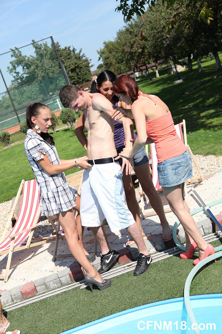 Pool Party Amateur Lesbisch