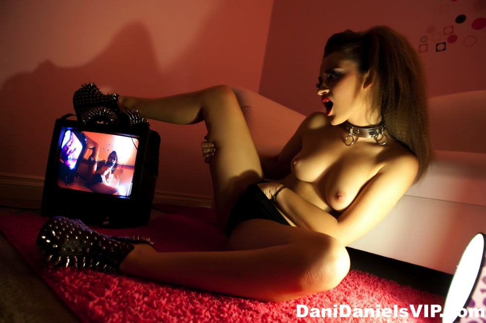 Out tv wacing hd poran movies hot and