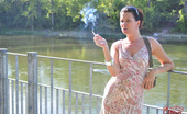 Smoking Mina Sexy Smoking MILF Mina Smokes In Public. Smoking Mina