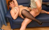 World Mature Mature Fatty Serving Guy'S Cock On A Sofa Plump Mature Hooker In Stockings Sucking And Riding Client'S Cock On A Sofa World Mature