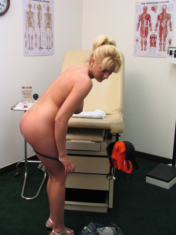 wild fuck toys sindy lange super sindy was having trouble cumming and