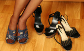 Nylon Feet Line Susie Curvy Cutie In Lacy Pantyhose Choosing The Best Shoes For Her Yummy Feet Nylon Feet Line