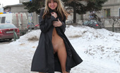 Cuties Flashing Perfect Teen Flasher Ain'T Afraid Of Cold Weather Cuties Flashing