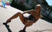 Cuties Flashing Hot Kitty Caught Flashing Her Juggs In A Backstreet Cuties Flashing
