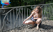 Cuties Flashing Young Girl Flashes Her Upskirt On Railway Bridge Cuties Flashing