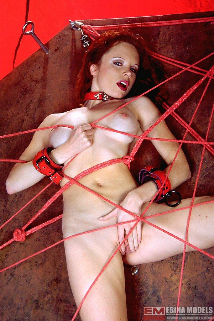 Ebina Models 488962 (XXX) Red Head Anna Lieb Tortured On A Wheel Ebina Models