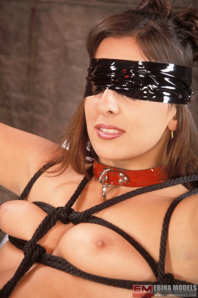 Ebina Models 489105 (XXX) Naiomi Tied And Tortured In The Dungeon Ebina Models