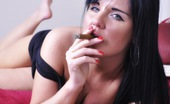Cigar Glamour Michelle Hush Smokes A Cigar Michelle Hush Relaxes In Bed With A Slim Cigar Cigar Glamour