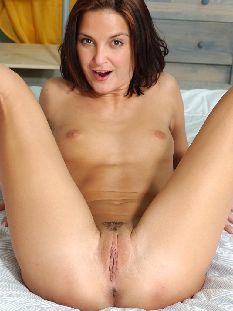 newzeland nude girl pussy
