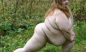 Plumper World Fat Whore Doing Acrobatic Exercises Buck Naked Plumper World