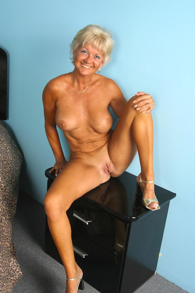 Wife hippie hollow nude