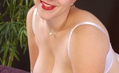 Hardcore Fatties 519872 Latina Looking Fat Girl Posing In Red Lingerie Showing Fat Butt Hardcore Fatties
