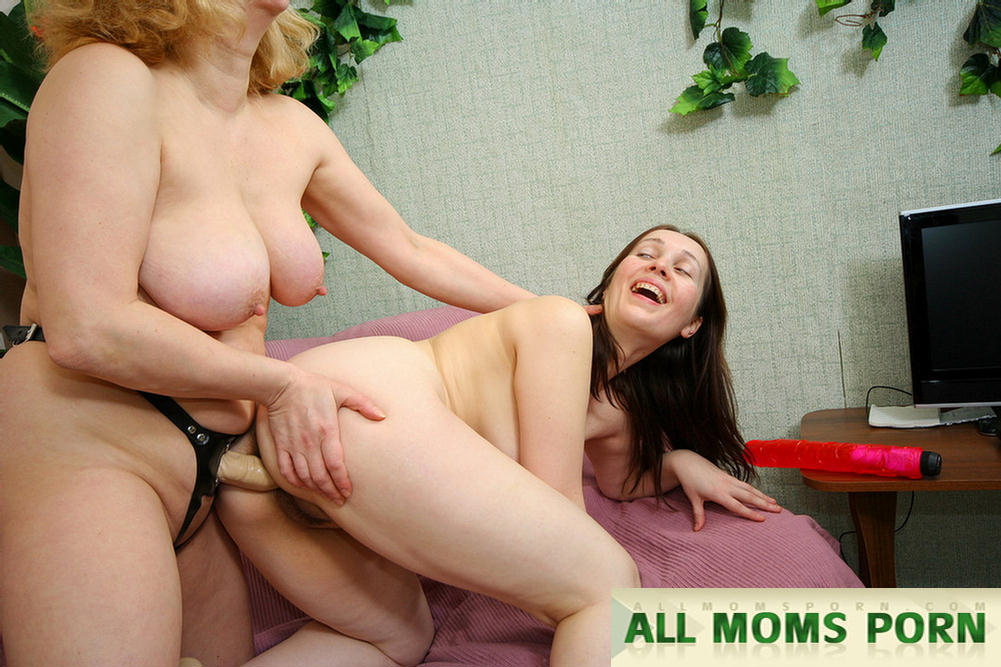 porno-video-moms-tube