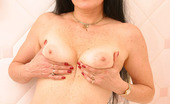 On Moms Mature Old Brunette With Shaved PussyAged Mature Brunette Iola Shows Her Great Looking Body And Shaved Pussy That Looks Almost Like Younger One On Moms