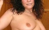 On Moms Brunette Mom Showing BodyHorny Brunette Mom Demonstrating Her Mature Body (Amateur Records!!!) On Moms