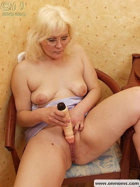 Pale Big Tits Masturbation