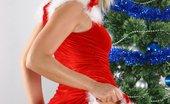 Amateurs Gone Bad Sandra Sanchez Sandra Sanchez Stripping By The Xmas Tree Amateurs Gone Bad