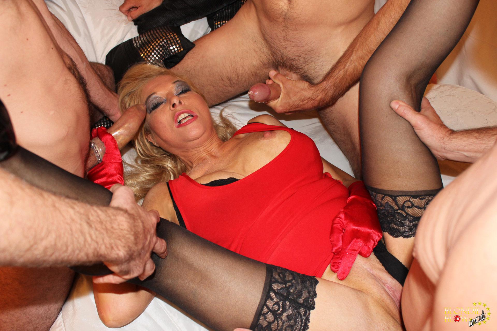 Blondie Blow Uncut Horny Blondie Organises An Orgy From The