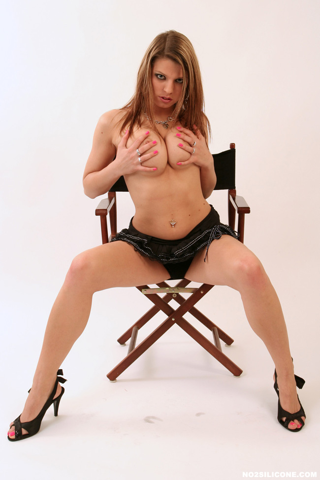 No 2 Silicone 537431 Roxy Roxy Very Attractive Redhead With Big Moth And Great Hot Big Naturals Getting Tortured No 2 Silicone
