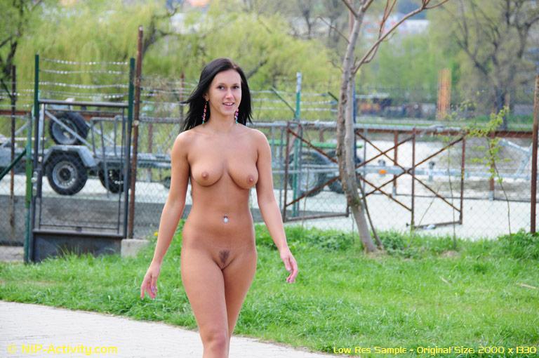 Angelica Torn  nackt