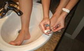 GND Cali Watch As A Naked Cali Paints Her Cute Toes GND Cali