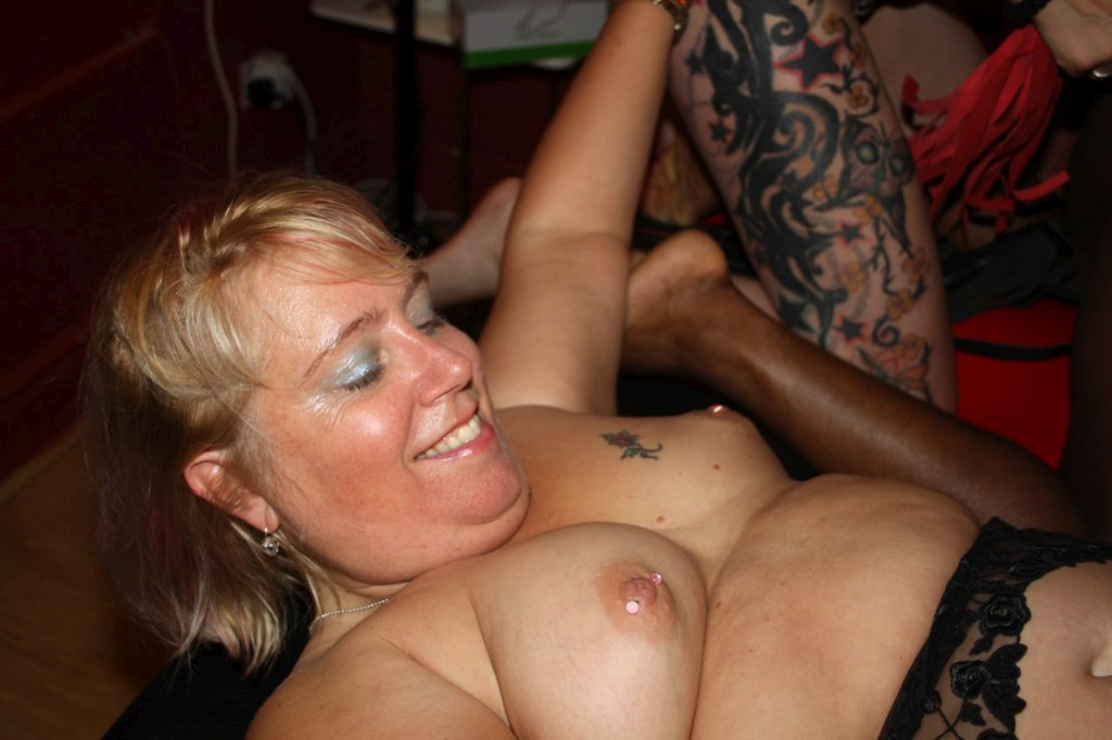 Amateur bang gang mature